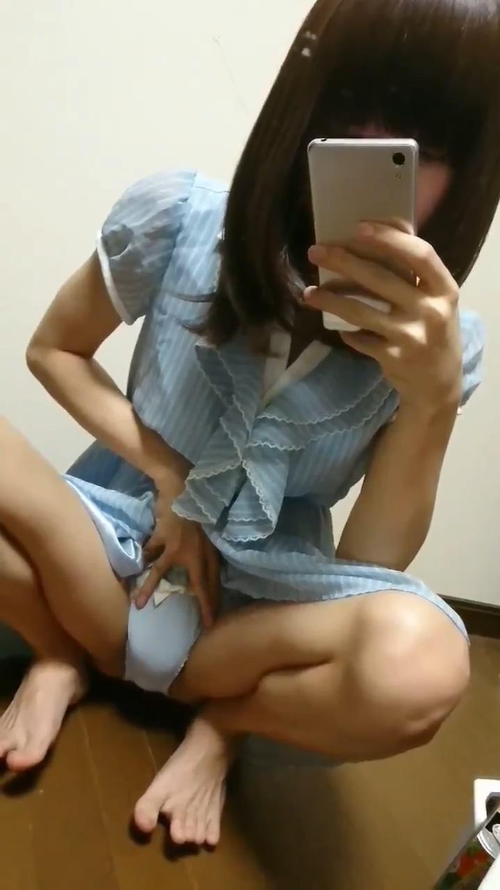 ●スカートをたくし上げてM字でパンモロするエッチなスキニー体系の男の娘 ふらごーらちゃん | 18歳~20代 – 素人女装娘エロ画像まとめ –